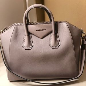 Givenchy Antigona Tote Bag - Large